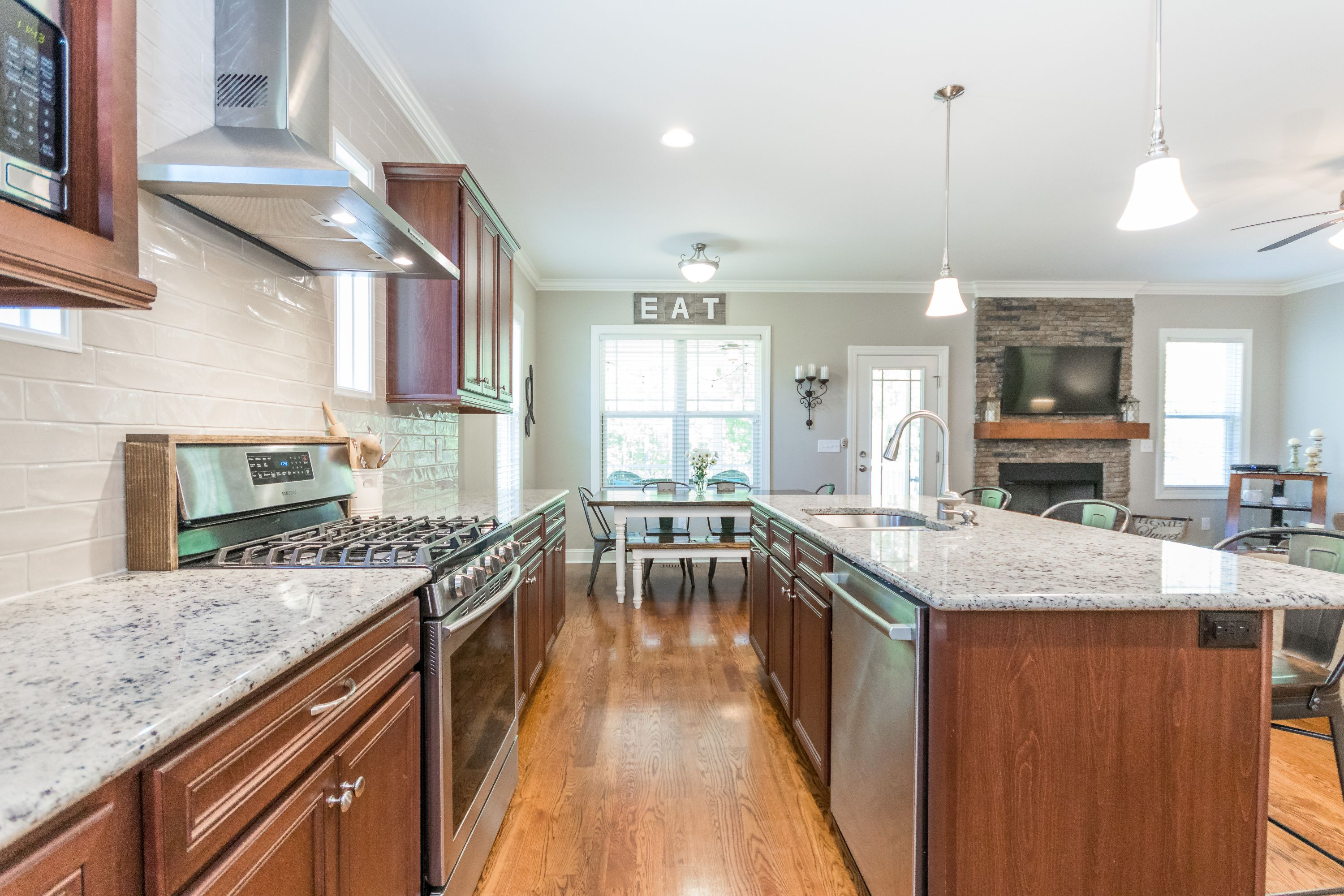 Gas range and tons of granite counter space
